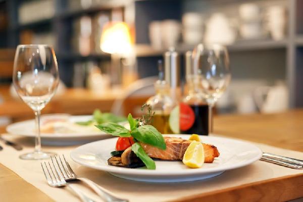 Restaurant op zichtlocatie aan provinciale weg in Eibergen.