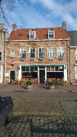 Bekend dorpscafé te huur in IJzendijke. foto 7