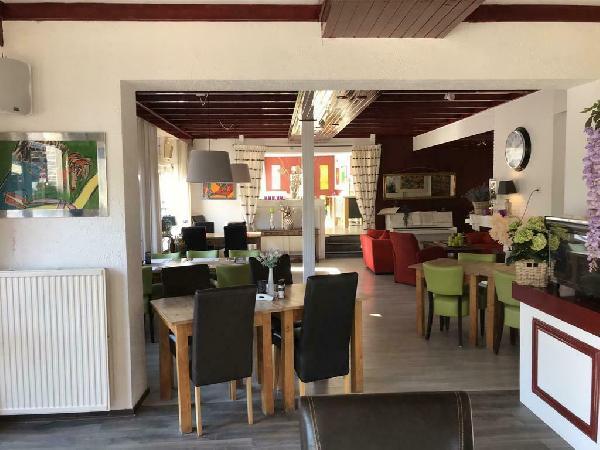 Hotel blijft open met ontbijt mogelijkheid !! Reserveer gerust  foto 14