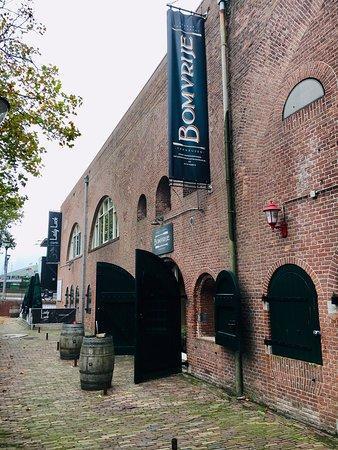 Goede locatie in prachtig historisch gebouw te huur in centrum Terneuzen. foto 3