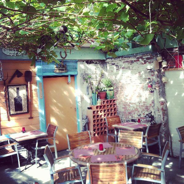 Leeuwarden het bekende pizzeria Pidokkio ter overname foto 10