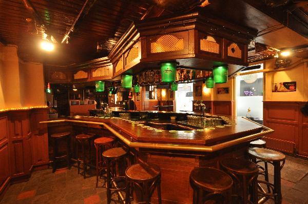 Nacht-Feest-Muziek Café in hartje uitgaanscentrum  foto 3