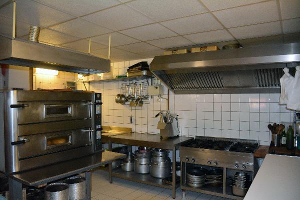 Leeuwarden het bekende pizzeria Pidokkio ter overname foto 7
