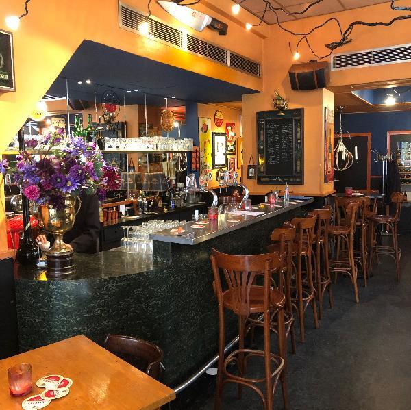 Cafe te koop in centrum Dordrecht met nachtvergunning en zonder verplichtingen foto 2