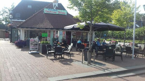 Zuidhorn VERKOCHT lunchroom IJssalon foto 1