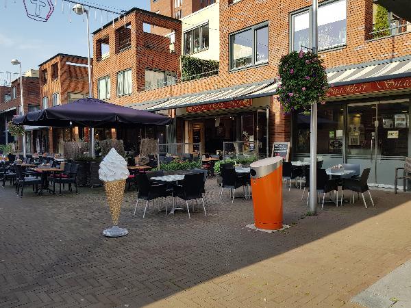 Cafetaria Eetcafé op super doorloop locatie in winkelcentrum met veel passanten  foto 1