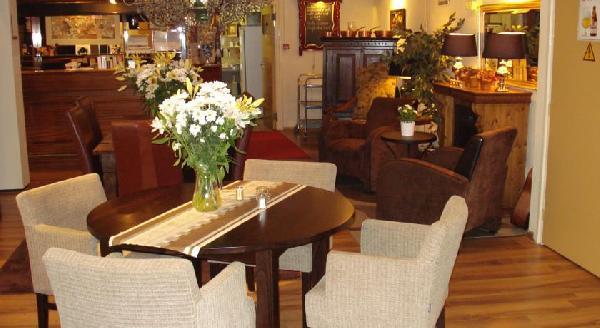 Beleggingspand te koop: verhuurd hotel in centrum van Terneuzen. foto 6