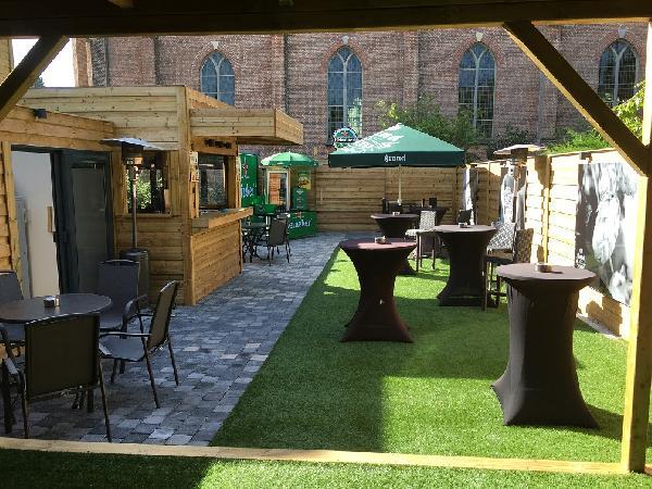 Eetcafé met zaal, terras en bovenwoning in Vogelwaarde (Zeeuws-Vlaanderen) te koop. foto 9