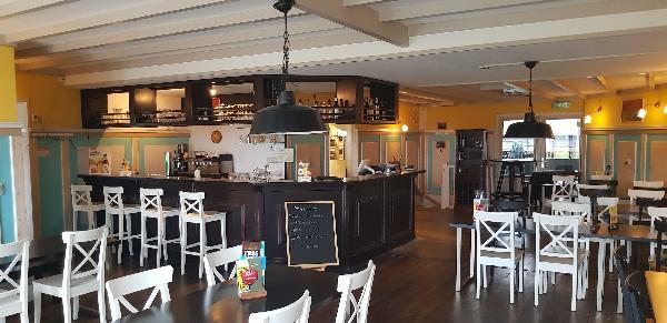 Cafe / Restaurant / Terras aan vaarwater Giethoorn foto 21