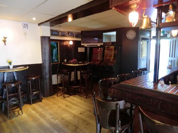 Café met snackbar en woning GARIJP VERHUURD foto 3