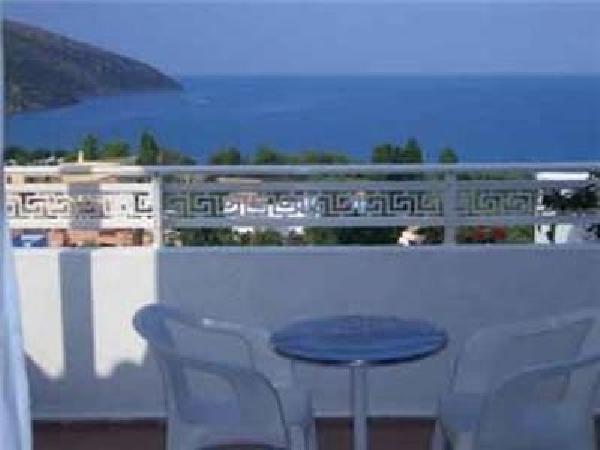 Mooi kleinschalig toeristisch hotel ter overname in Agios Nikolaos foto 3