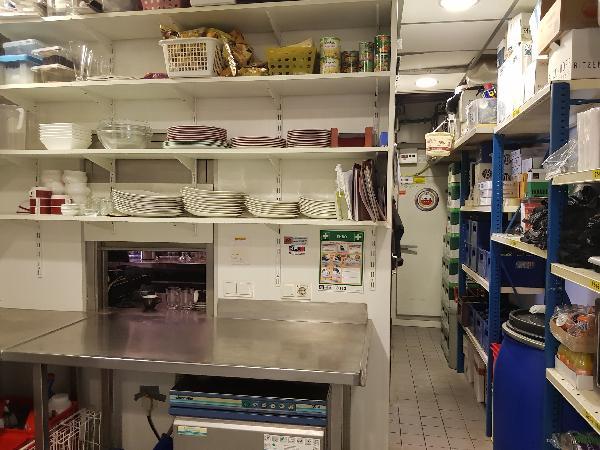 Cafetaria Eetcafé op super doorloop locatie in winkelcentrum met veel passanten  foto 22