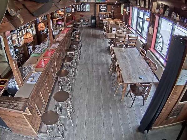 Eetcafé met zaal, terras en bovenwoning in Vogelwaarde (Zeeuws-Vlaanderen) te koop. foto 8