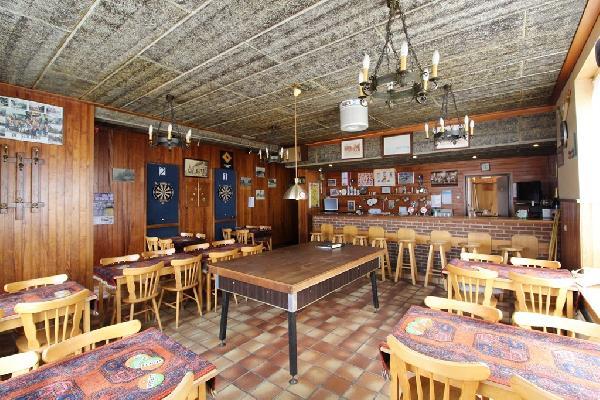 Café met bovenwoning en grote zaal in Philippine te koop. foto 3