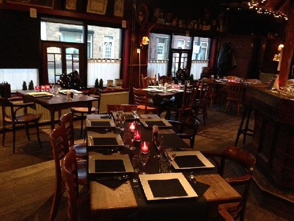 Eetcafé met zaal, terras en bovenwoning in Vogelwaarde (Zeeuws-Vlaanderen) te koop. foto 5