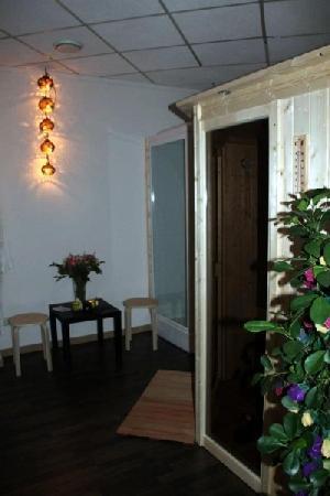 Massage/ beautysalon ter overname aangeboden in Den Bosch foto 10