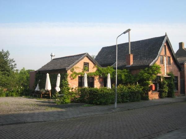 Gezellig en leuk gelegen restaurant te koop aan de Westerschelde vlak bij Antwerpen. foto 1