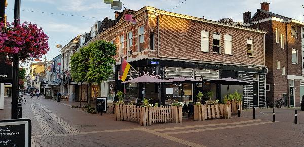 Unieke Koffie & Eethuis op mooie hoeklocatie in de Hoofdstraat t.o. het Theaterhotel Almelo  foto 1
