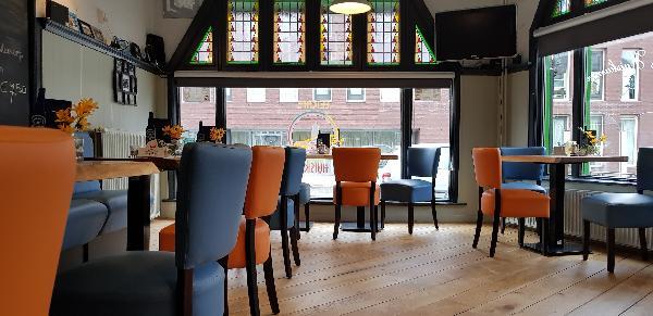 Eetcafé op driesprong aan doorgaande weg vanuit het centrum Deventer foto 20