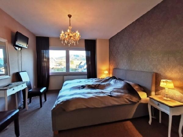 Hotel met 16 kamers in Winterberg foto 7