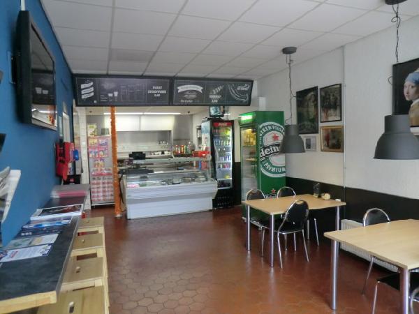 Leeuwarden snackbar met bovenwoning ter overname foto 5