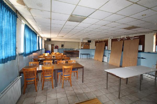 Café met bovenwoning en grote zaal in Philippine te koop. foto 5