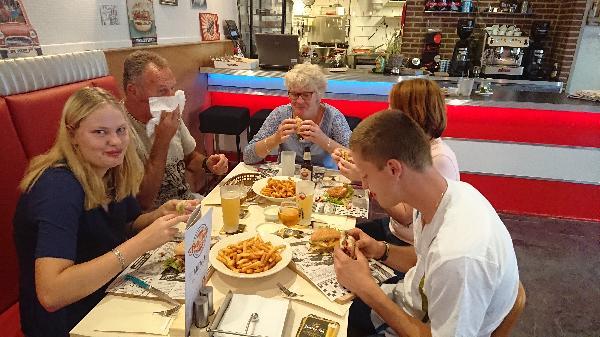 Lunch & Dinnercafé met afhaal & bezorg functie  in modern overdekt winkelcentrum in het bruisende hart van Hoogeveen foto 5