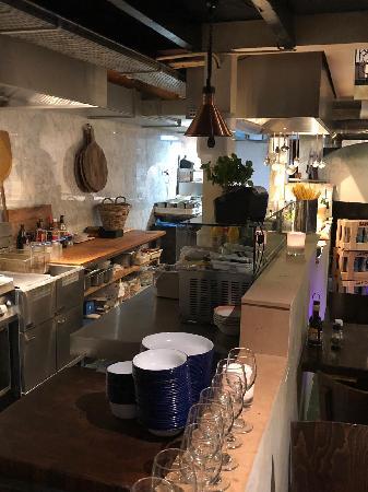 Italiaans Restaurant in het bruisende centrum van Renesse. foto 7