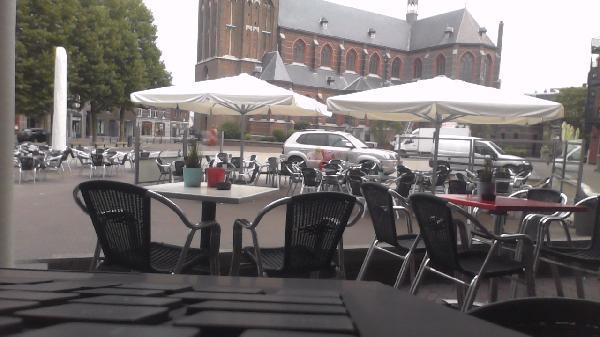 "IJSSALON ""DE  WILHELMIEN"", WILHELMINAPLEIN 9  TEGELEN  (Venlo) foto 2"