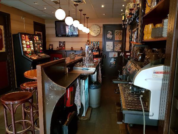 Cafetaria Eetcafé op super doorloop locatie in winkelcentrum met veel passanten  foto 16