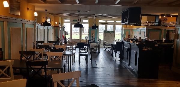 Cafe / Restaurant / Terras aan vaarwater Giethoorn foto 15