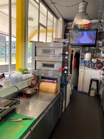 Shoarma/Pizza/ Koffiecorner station Rosmalen te koop foto 6