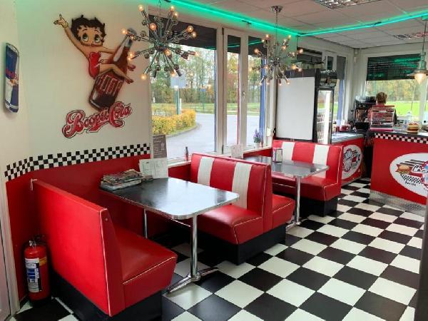 Lunchroom/hamburgerrestaurant ter overname aangeboden foto 6