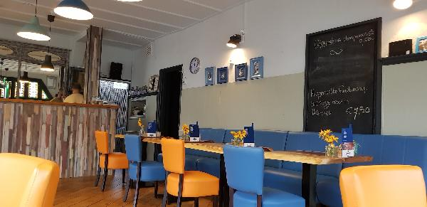 Eetcafé op driesprong aan doorgaande weg vanuit het centrum Deventer foto 14