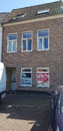 Casco winkel-, kantoor- of horecalocatie in centrum van Axel. foto 1