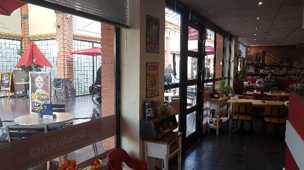 Lunch & Dinnercafé met afhaal & bezorg functie  in modern overdekt winkelcentrum in het bruisende hart van Hoogeveen foto 15