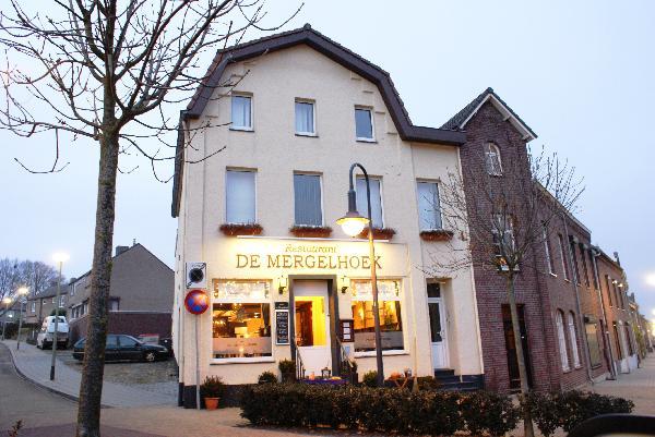 Restaurant 52 couverts met mooi terras en complete keuken in Brunssum, Parkstad Limburg foto 1