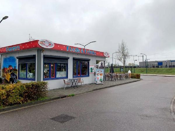 Lunchroom/hamburgerrestaurant ter overname aangeboden foto 1