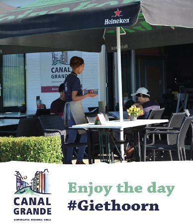 Cafe / Restaurant / Terras aan vaarwater Giethoorn foto 5