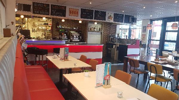 Koop nu met €10.000 aanbetaling - Lunch & Dinnercafé in winkelcentrum in het hart van Hoogeveen foto 18