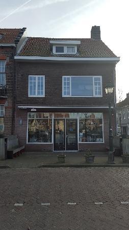 Instapklaar Cafetaria / Traiteur te huur/koop in IJzendijke. foto 2