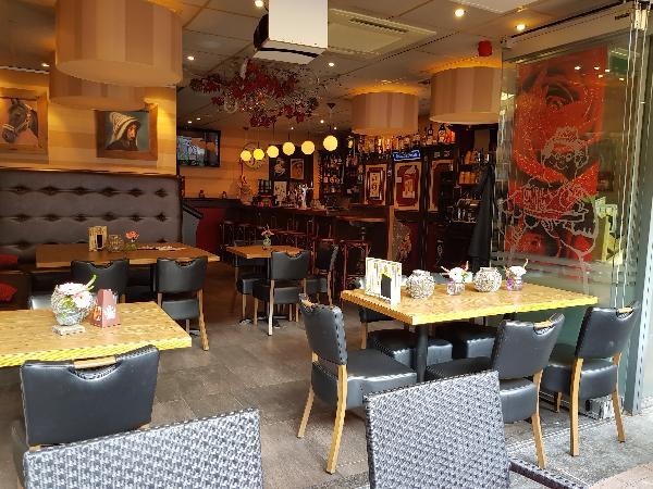 Cafetaria Eetcafé op super doorloop locatie in winkelcentrum met veel passanten  foto 13