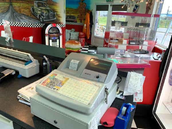 Lunchroom/hamburgerrestaurant ter overname aangeboden foto 8