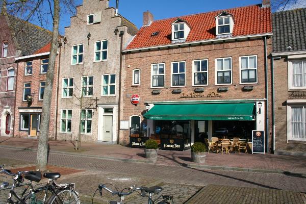 Bekend dorpscafé te huur in IJzendijke. foto 1