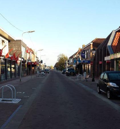 Te huur casco pand met mogelijkheden in het centrum van Numansdorp foto 8