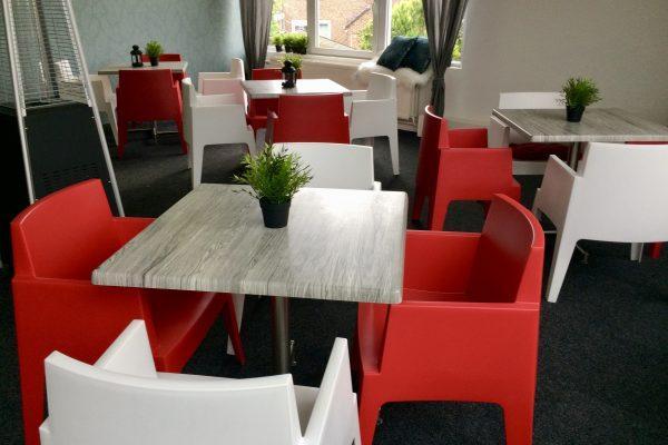 Cafetaria met zaal en terras foto 4