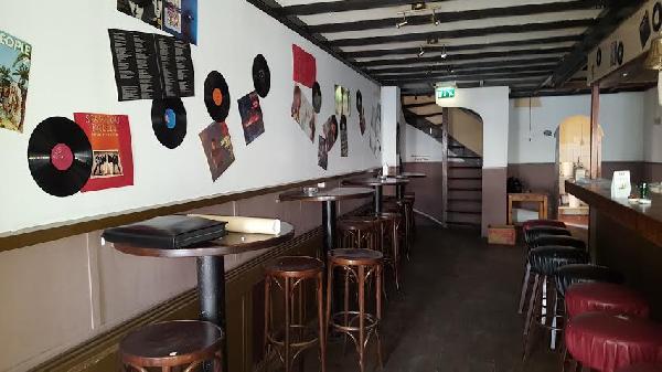 Café met bovenwoning te huur ín de Nieuwstraat in Terneuzen. foto 7