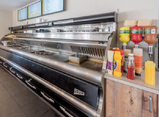Cafetaria te koop in het Zuiden van het land met goede omzet. foto 3