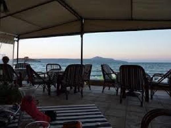 Ter overname op Kreta: de beste bar in Almyrida (meer foto's in de brochure). foto 2