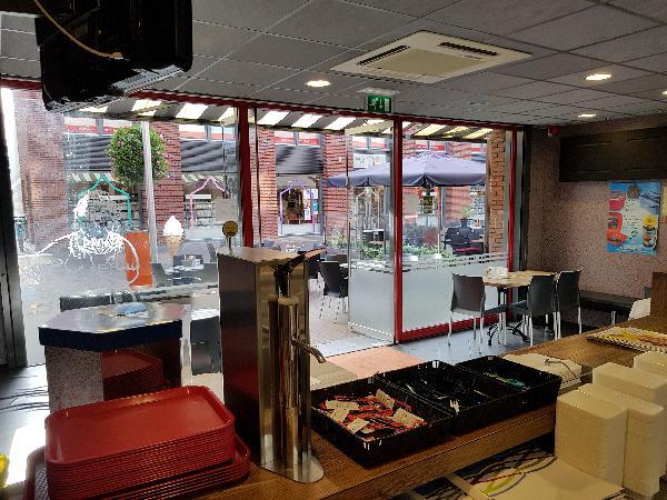 Cafetaria Eetcafé op super doorloop locatie in winkelcentrum met veel passanten  foto 8